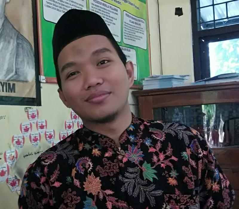 Ahmad Khotim, S.HI., M.Sy