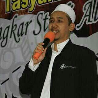DR. Ahmad Husnul Hakim, MA