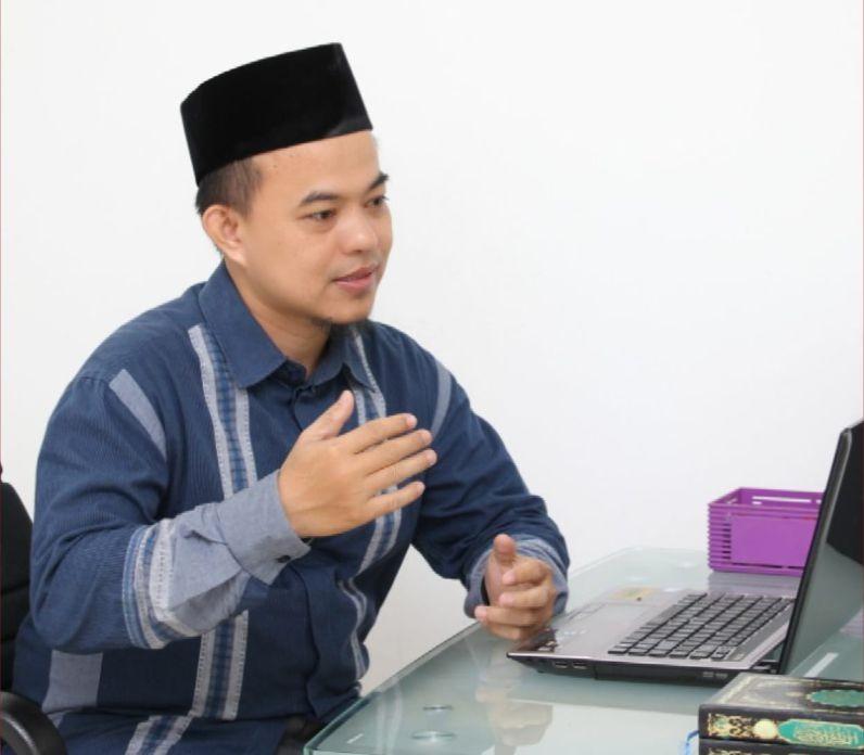 Muhammad Akrom, MA