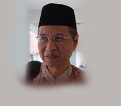 Foto_Ustadz_Prof. Dr. HM Darwis Hude_cariustadz.id